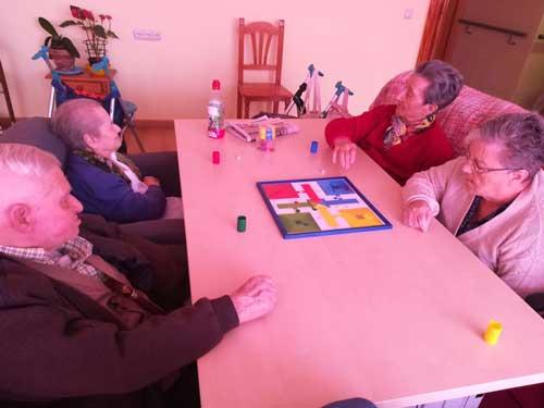 residencia-de-mayores-en-granada-juegos