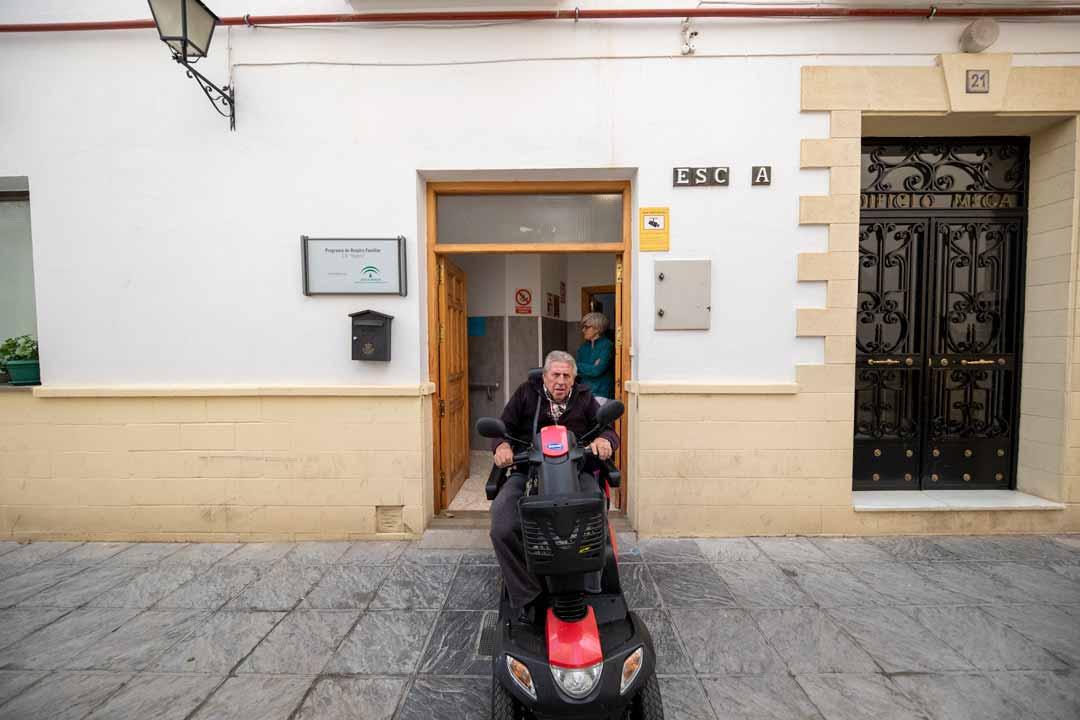 residencias-de-ancianos-puerta-acceso